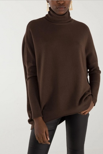 Kallie Ribbed Batwing Jumper in Brown