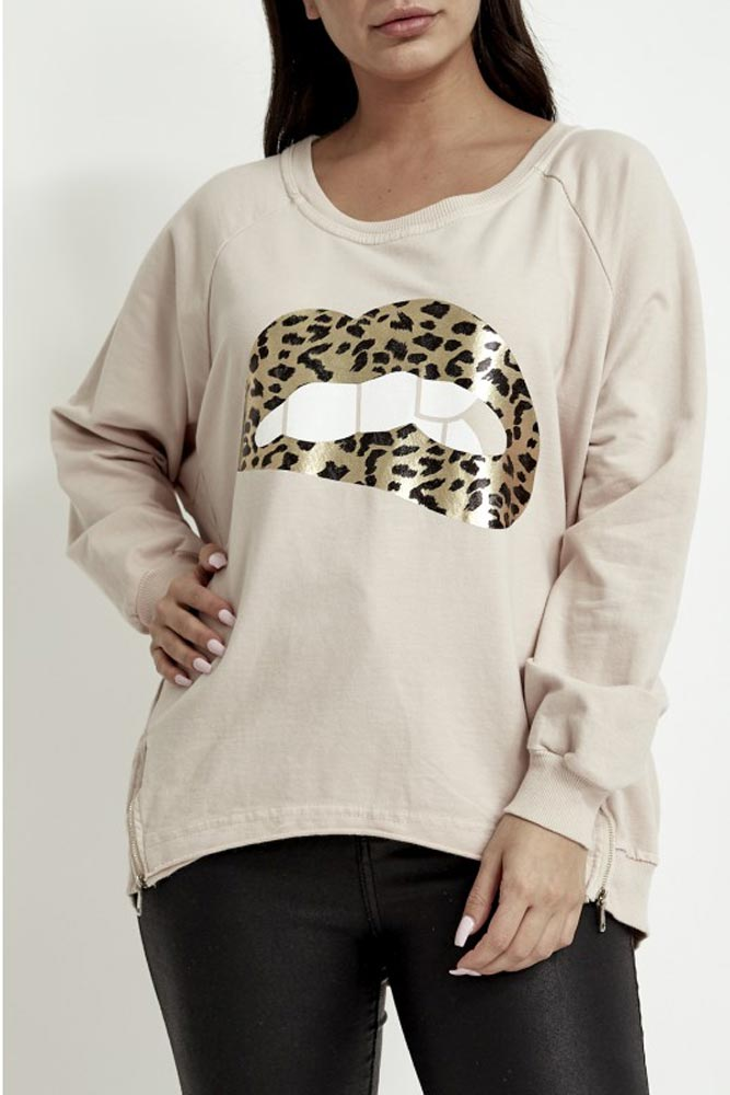 Metallic Lips Motif Sweater